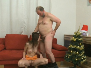 Steaming young chick deepthroats old chap gets pussy licked