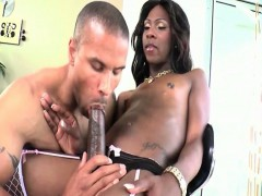 Kourtney Dash gets her big black cock sucked